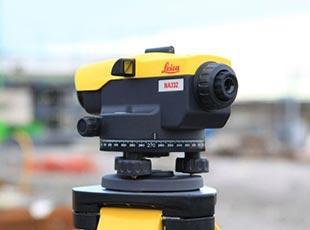 niwelatory Leica