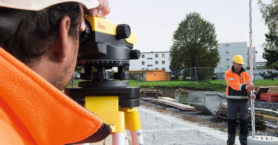dlaczego warto używać niwelatorów optycznych